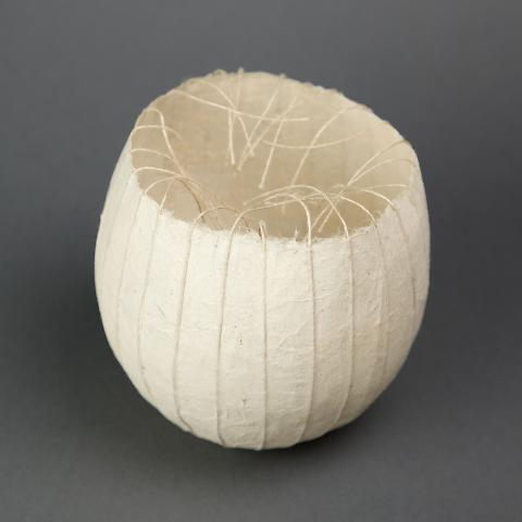 BALL/BOWL (paper bowl with strings)